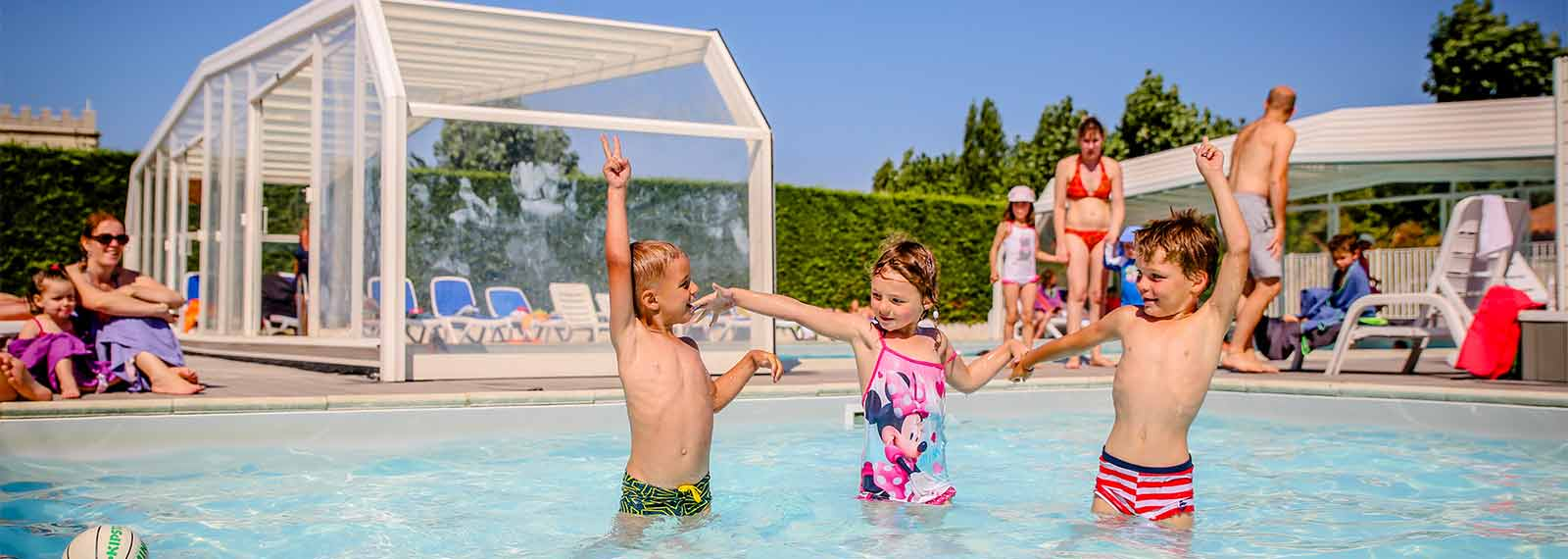 Camping ile de r avec piscine piscine couverte chauff e for Camping a paris avec piscine