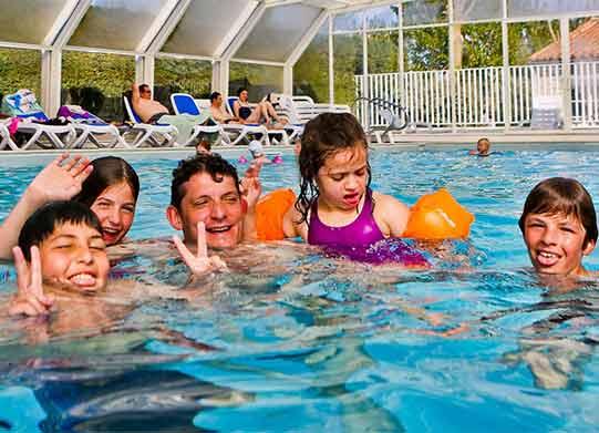 Camping ile de r avec piscine piscine couverte chauff e for Camping la ciotat avec piscine