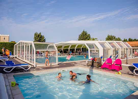 Camping ile de r avec piscine piscine couverte chauff e for Camping a la tranche sur mer avec piscine couverte