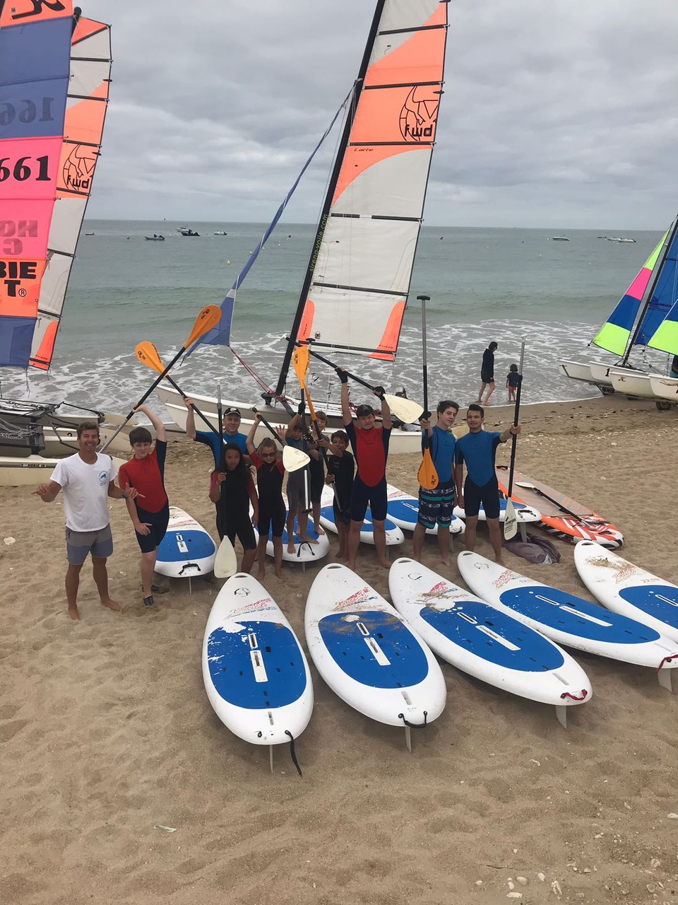 Camping with sailing school